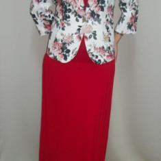 Fusta eleganta, lunga, de culoare rosie, disponibil in masuri mari