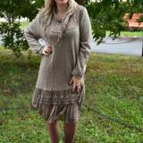 Rochie de zi, lejera, de toamna-iarna nuanta bej, masura mare