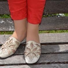 Papuc de primavara-vara, aurie, design floral din decupaje - Papuci dama