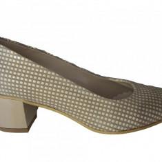 Pantof clasic cu toc gros si model de patratele pe suprafata - Pantof dama