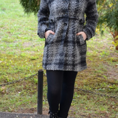 Jachete de toamna-iarna, negre-gri, guler ascutit - Jacheta dama