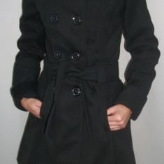 Palton elegant, de culoare neagra cu guler ridicat - Palton dama