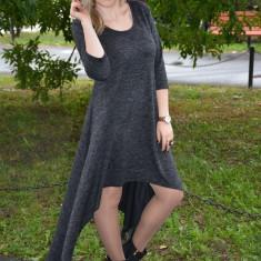 Rochie fashion in colturi, nuanta gri inchis, cu lungime asimetrica - Rochie de zi