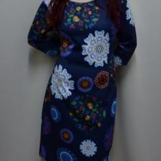Rochie trendy, de culoare bleumarin, design floral chic - Rochie office