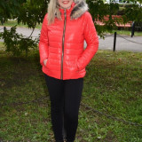 Jacheta practica de toamna, iarna, nuanta rosie, din fas usor lucios