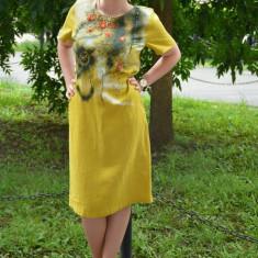 Rochie de zi din in, masura mare, culoare galbena cu imprimeu