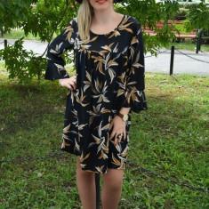 Rochie rafinata din material cu aspect de voal negru cu imprimeu - Rochie de zi