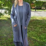 Bluza bleumarin usor elastica si cardigan lung cu dantela jos