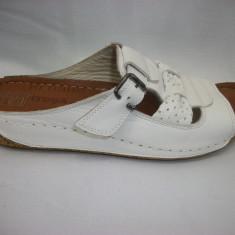 Papuc deosebit, alb, cu platforma medie, foarte comod - Papuci dama