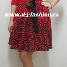 Rochie eleganta, rosu-negru cu fusta in clos - Rochie office
