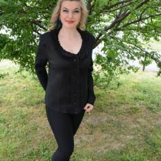 Camasa eleganta de culoare neagra, design de fodre si flori - Camasa dama, Maneca lunga, Negru, Bumbac, Marime: 44