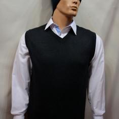 Vesta fashion de barbati, de culoare neagra, disponibila in diferite masuri