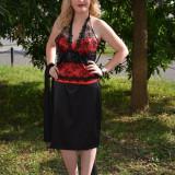 Costum elegant, doua piese, cu corset rosu din saten cu dantela - Costum dama