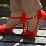 Sandale elegante cu toc si platforma din lac - Sandale dama