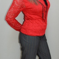 Pantalon gri din stofa, model trei-sferturi, cu design de dungi - Pantaloni dama