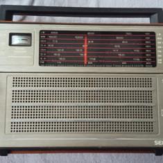RADIO SELENA  B 215 DEFECT .