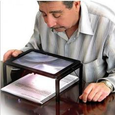 Masuta portabila A4 Lupa 3x 4 leduri pentru citit, bijutier, reparatii.