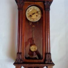 Ceas pendula vechi de perete, Junghas