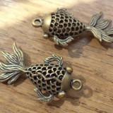 Pandantiv 3D filigranat - peste ornamental din bronz (caras auriu)