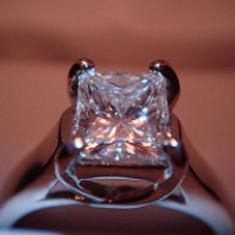 Diamant natural 0.7 ct ! Taietura clara PRINCESS !