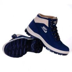 Bocanci Nike Mandara / ghete de iarna - Bocanci barbati Nike, Marime: Alta, Culoare: Bleumarin, Piele sintetica