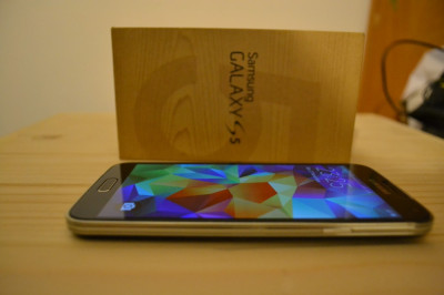 Samsung Galaxy S5 Black impecabil (16Gb, in cutie, Neverlocked, Tempered Glass) foto