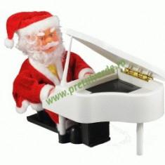 Mos Craciun pianist