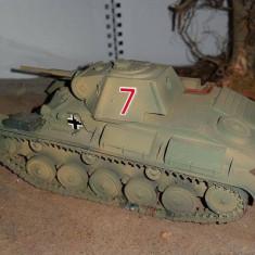 + Macheta finalizata 1/35 Miniart - Tanc rusesc T-70 +