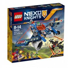 LEGO NEXO KNIGHTS Aaron's Aero Striker V2