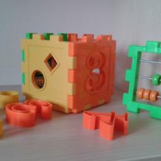 Cub activitati 11 cm - Jocuri Forme si culori Altele