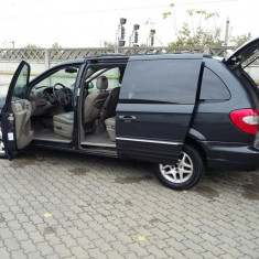Chrysler Grand Voyager 7 locuri. 2.5 diesel, acte valabile, An Fabricatie: 2002, Motorina/Diesel, 219500 km, 2596 cmc