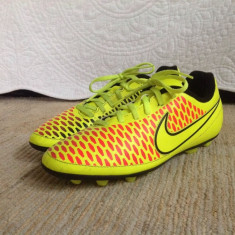 Ghete Fotbal Nike Magista Originali 37, 5, 38, Culoare: Din imagine