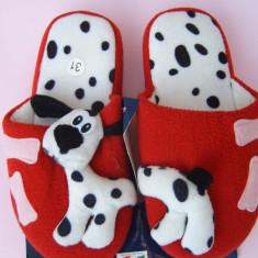 Papuci pufosi dalmatian, nr 31, 19 cm la interior, NOI, interesanti, latra :) Altele