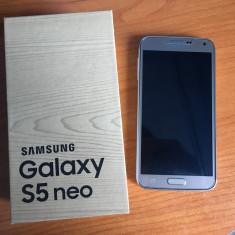 Samsung S5 Neo Gold și Accesorii - Telefon Samsung, Auriu, Neblocat
