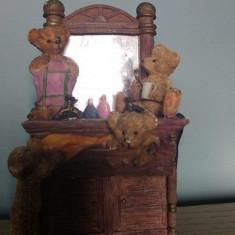 Figurina din praf ceramic, ursuleti la oglinda, 15x9x6cm, bibelou, decor
