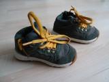 Papuci Zara Baby , Baieti , Marimea 22