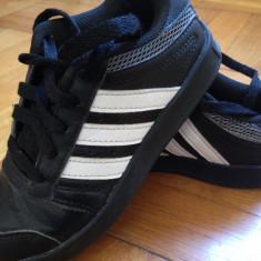 Pantofi sport ADIDAS masura 29 - Adidasi copii, Culoare: Negru