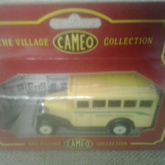 Corgi Cameo Village Collection - Eastern National - Macheta auto 1: 64