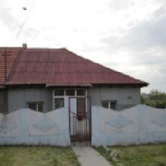 Teren 577 mp si casa, M. Kogalniceanu, Constanta - Casa de vanzare, 101 mp, Numar camere: 4