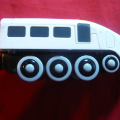 Jucarie- Locomotiva  firma Maxim Enterprise Inc ,China ,L= 12 cm ,cu baterii, Locomotive