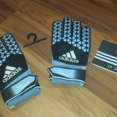 Manusi Adidas Iker Casillas - Echipament portar fotbal