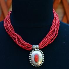 DEOSEBIT COLIER CU MARGELE MICI ROSII SI PANDANTIV - Colier perle