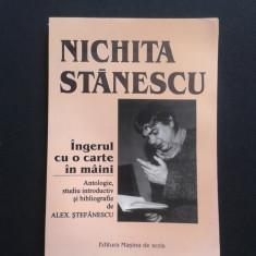 NICHITA STANESCU-INGERUL CU O CARTE IN MAINI Poezii - Carte poezie