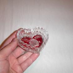 Recipient cristal in forma de inima - Arta din Sticla