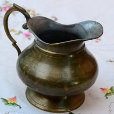 VECHI VAS DIN METAL ALAMIT, MODEL CU O ANSA, NECURATAT - Metal/Fonta, Ornamentale