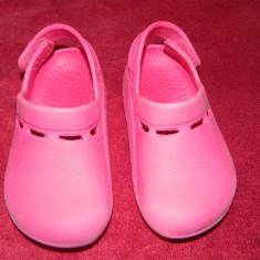 Papucei, botosei tip crocs, Decathlon, ideali piscina, inot, marimea 22-24 - Papuci copii Crocs, Culoare: Roz, Fete
