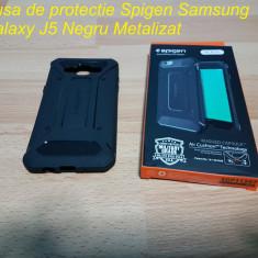 Husa de protectie Spigen Samsung Galaxy J5 Negru Metalizat - Husa Telefon