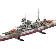 German Heavy Cruiser Admiral Hipper - Macheta Navala Revell