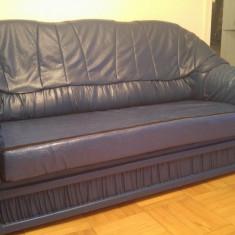 Canapea 3 locuri extensibila + 2 fotolii