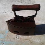 FIER PE CARBUNI DIN FONTYA DEGRESAT - Metal/Fonta